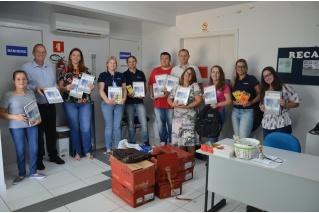 No aniversário da Certel, crianças são presenteadas com materiais escolares