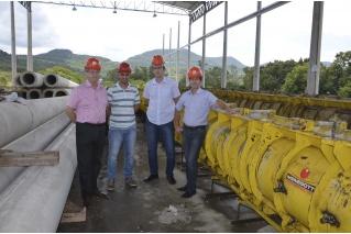 Lideranças municipais de Teutônia visitam indústria da Certel
